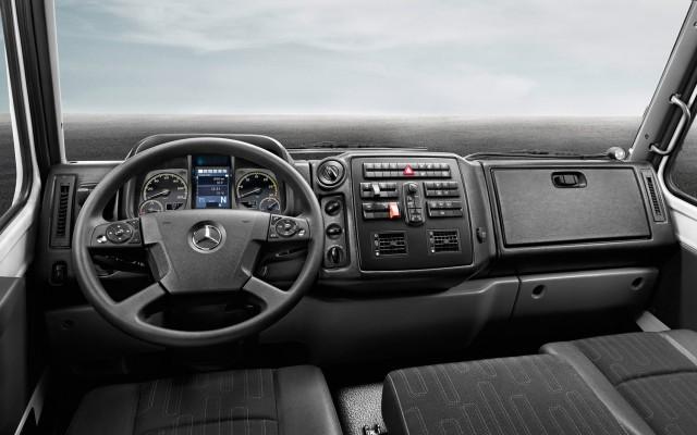2014-mercedes-benz-unimog-u-5023-interior-view