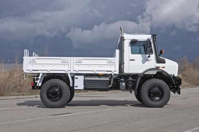Mercedes-Benz-unimog-13C434_022