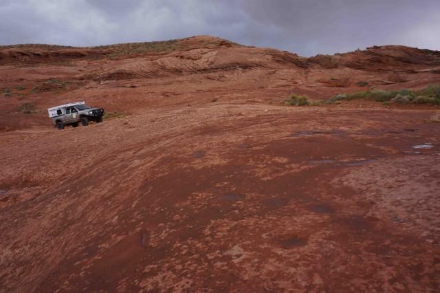 U3-Climbing rock