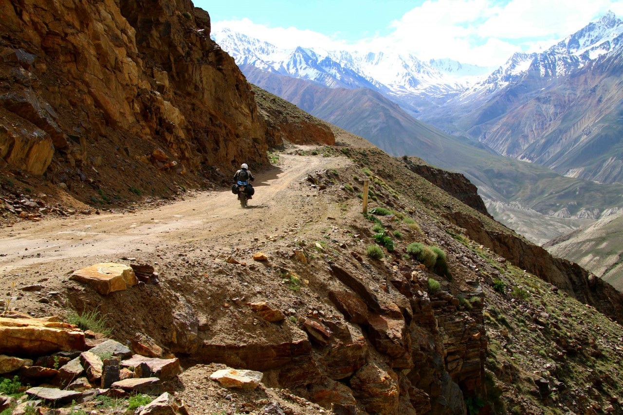 Into the mountains - the Hindu Kush of Pakistan in the distance