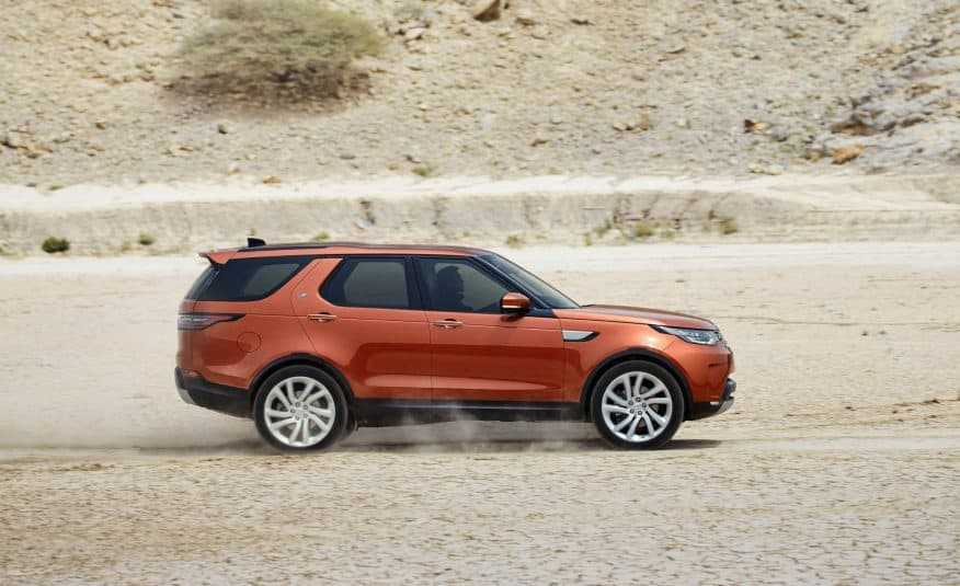 2017-Land-Rover-Discovery-115-876x535