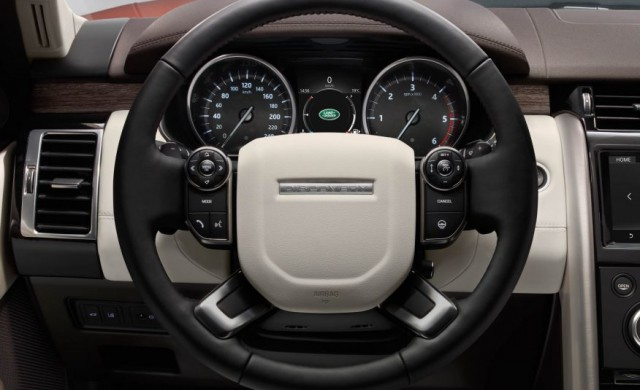 2017-Land-Rover-Discovery-144-876x535