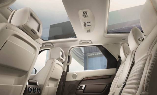 2017-Land-Rover-Discovery-160-876x535