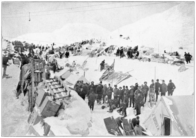 Chilkoot_pass_summit_1898