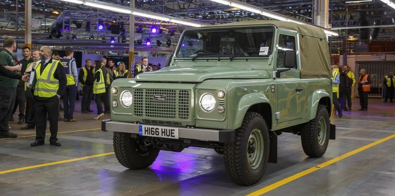 Land-Rover-Defender-farewell-event_11