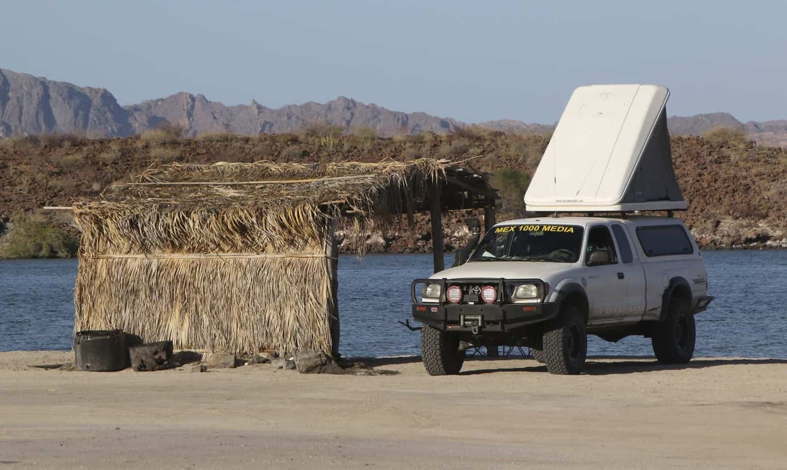 Autohome Maggiolina And Columbus Roof Top Tents Jeep Xj Cing