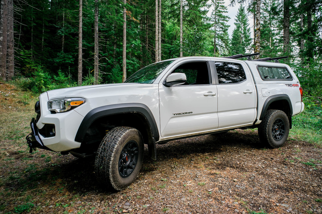 SOLD - Toyota Tacoma 3rd Gen, ARE Short Bed Shell + Rack For
