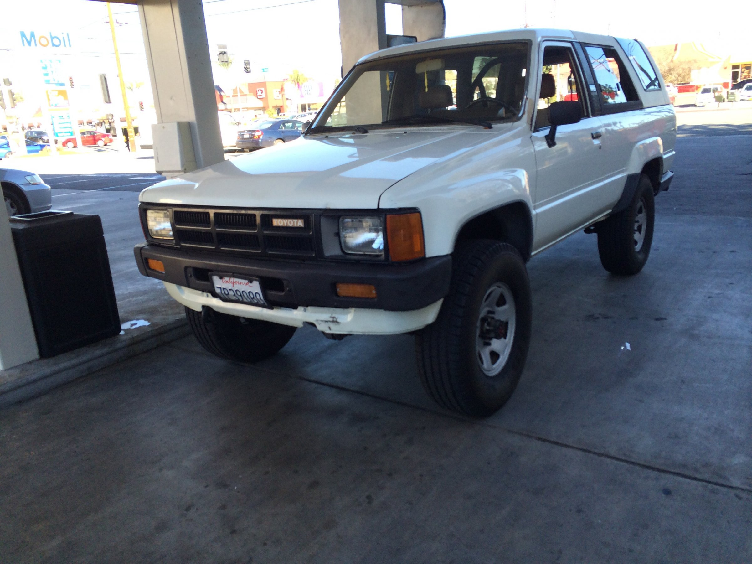 stock white 1985 4runner socal 5speed expedition portal. Black Bedroom Furniture Sets. Home Design Ideas