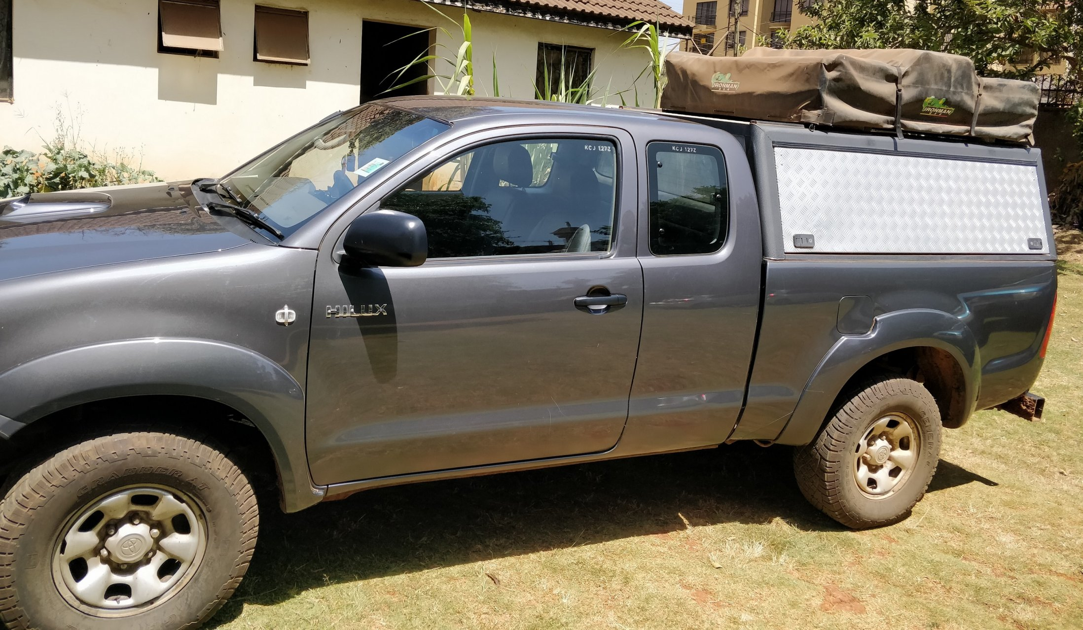 Hilux Extra Cab 4x4 2011 Canopy Roof Top Tent Bull Bar Winch Kenya Expedition Portal