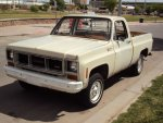 1974-gmc-sierra-15hundred-chevrolet-silverado-4x4-short-bed-classic-chevy-pickup-1.jpg