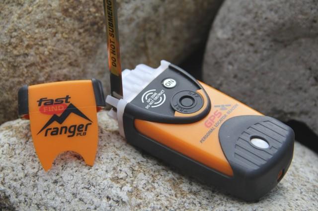 13Winter_Gear_PLB_Ranger_antenna