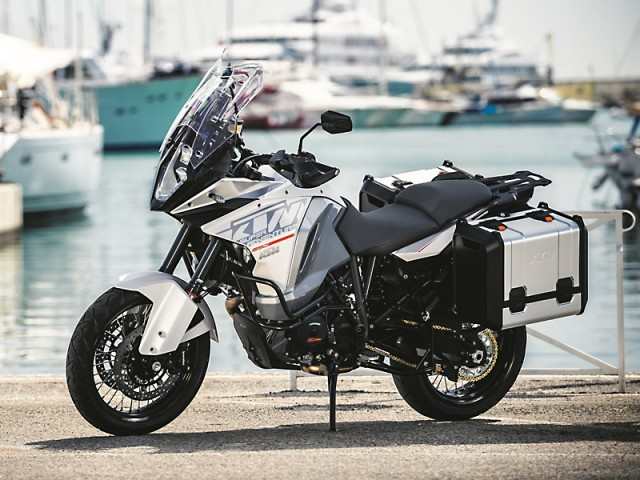 KTM-1290-SUPER-ADVENTURE_MY2015_web