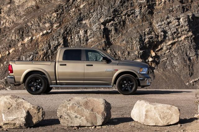 2014-ram-1500-ecodiesel-outdoorsman-crew-cab-4x4-side