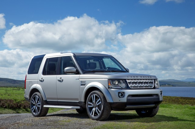 2015-Land-Rover-LR4-SUV-review