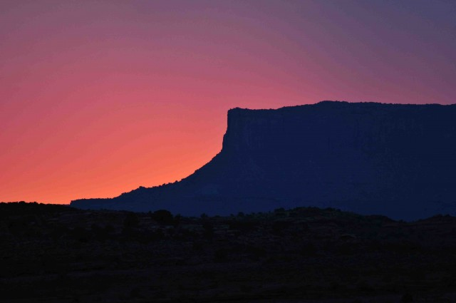 Moa7=Sunset over Canyonlands NP