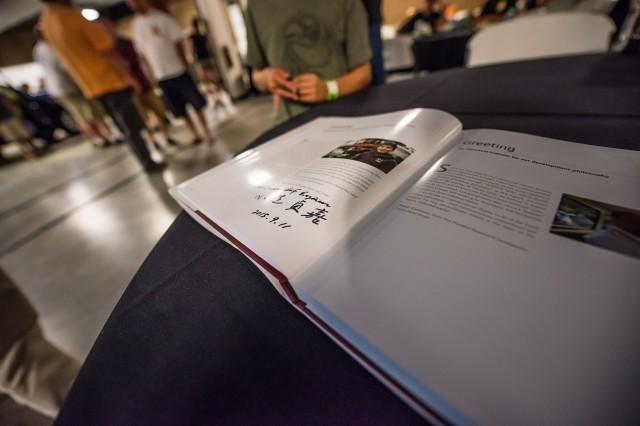 japan engineer signing book-1-2