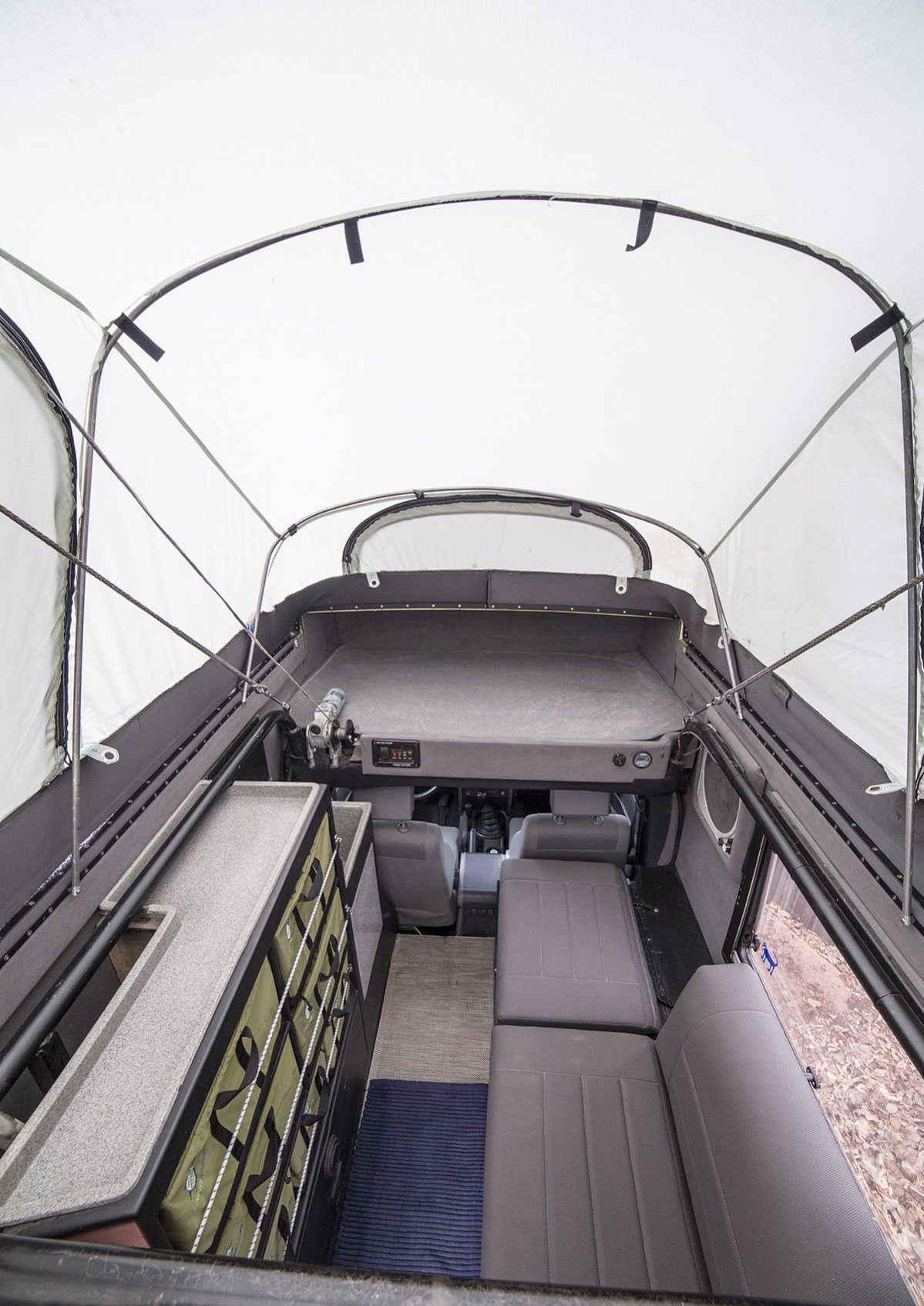 earthraomer int seats above cab storage vert