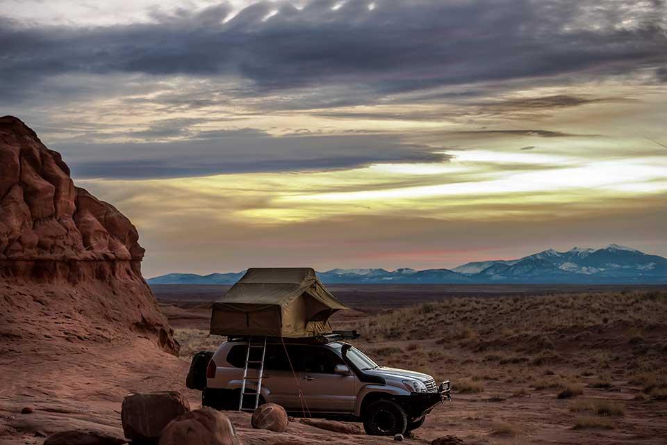 23-zero-roof-top-tent-commanding-view