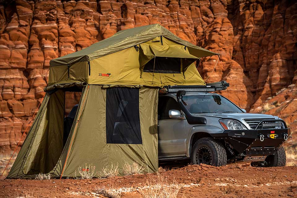 23-zero-roof-top-tent-on-vehicle