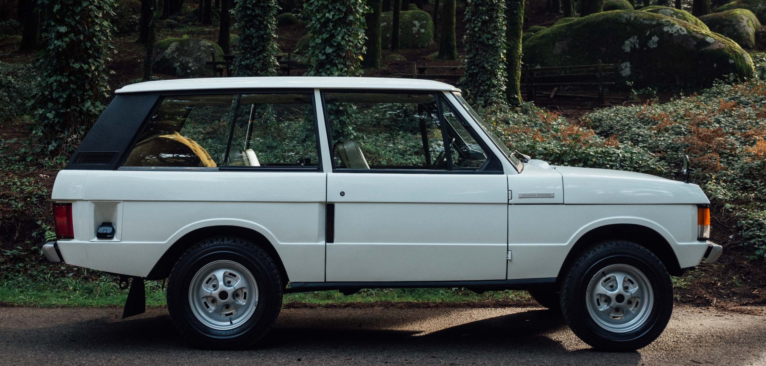 Featured Vehicle 1977 Land Rover Range Rover Expedition