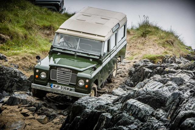 Land-Rover-islay-lead