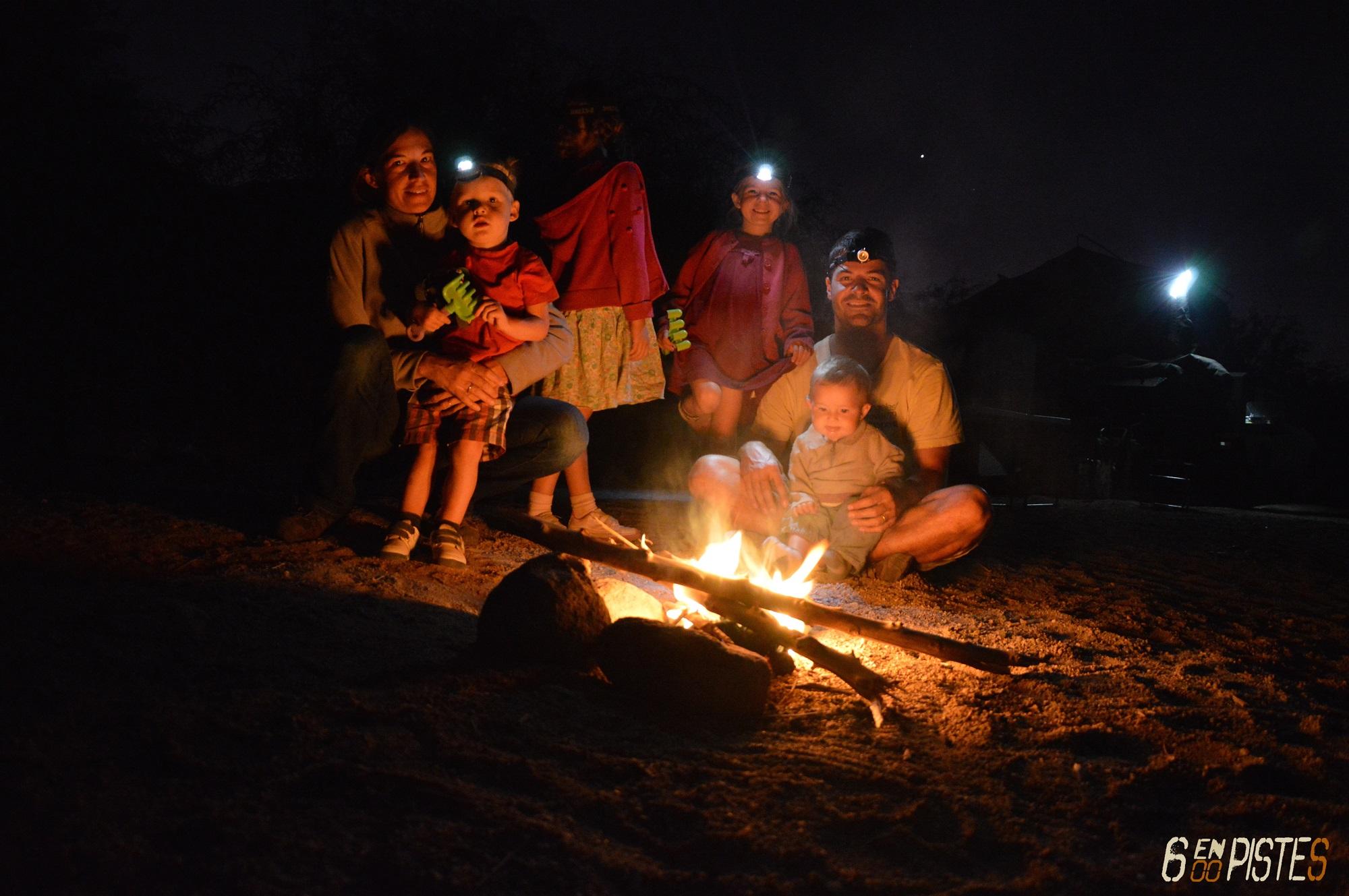 Six en Piste - Camp fire