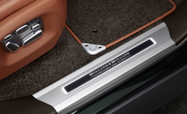 2016-Land-Rover-Range-Rover-Holland-Holland-Edition-111-876x535