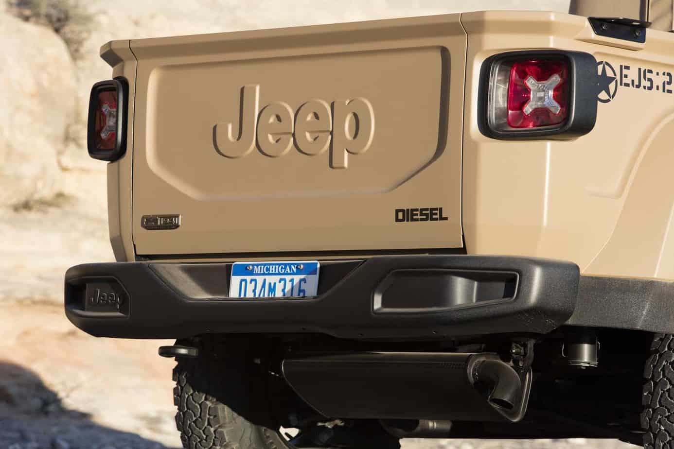 Jeep Comanche 015