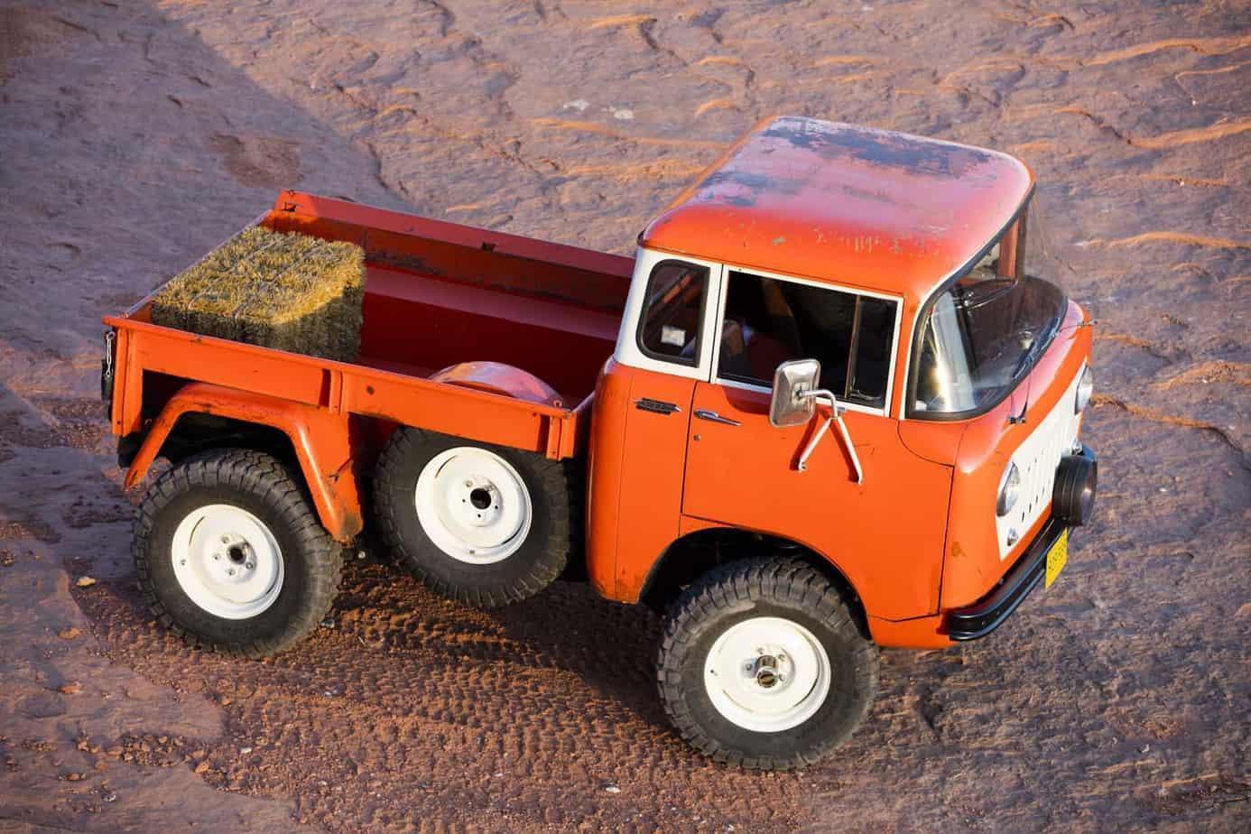 Jeep FC 150 011