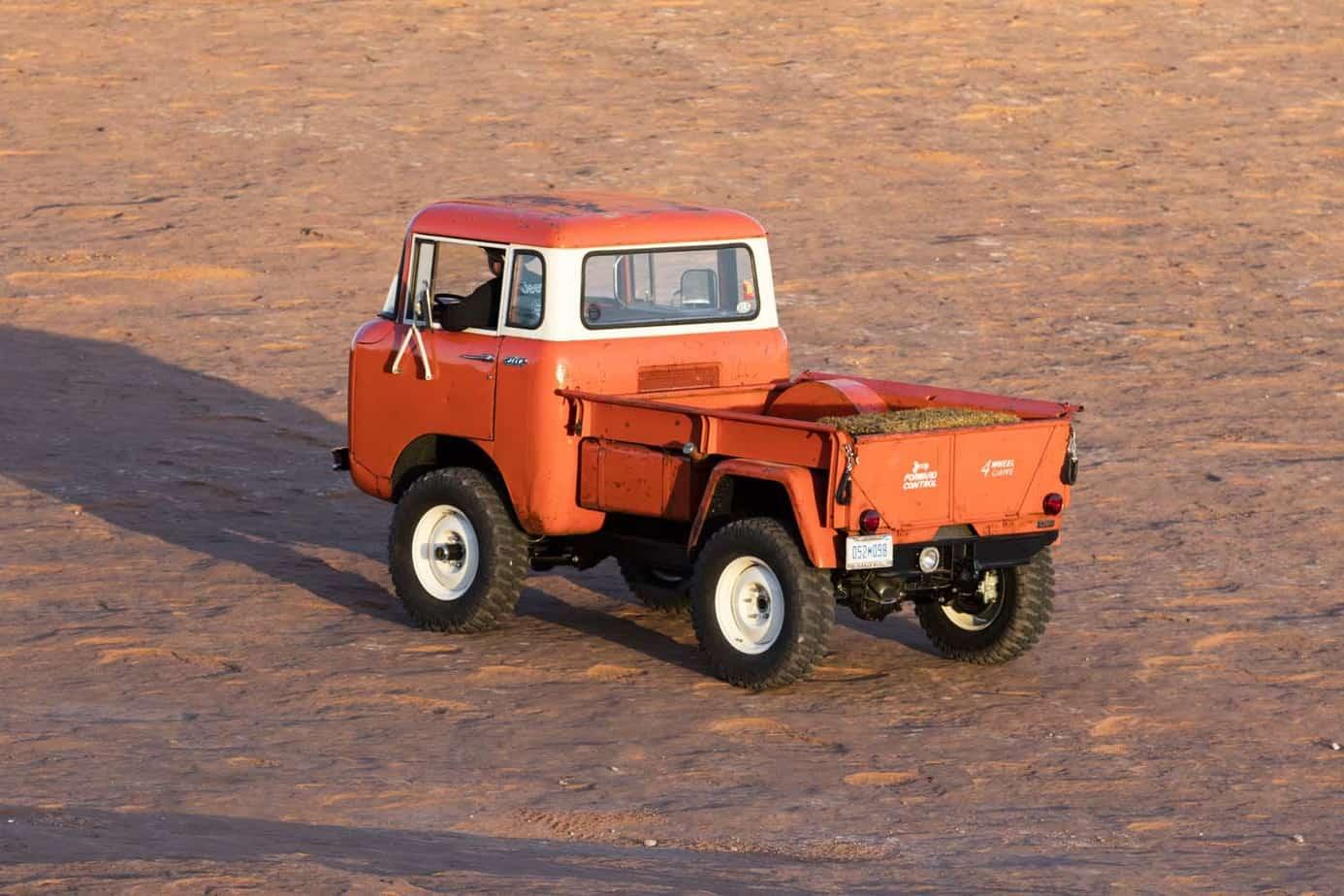 Jeep FC 150 012