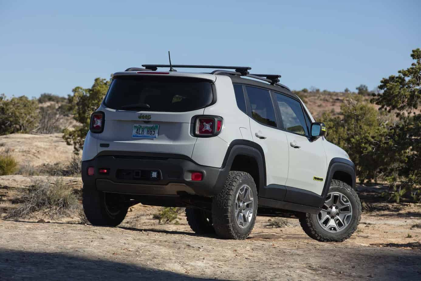 Jeep Renegade Commander 004
