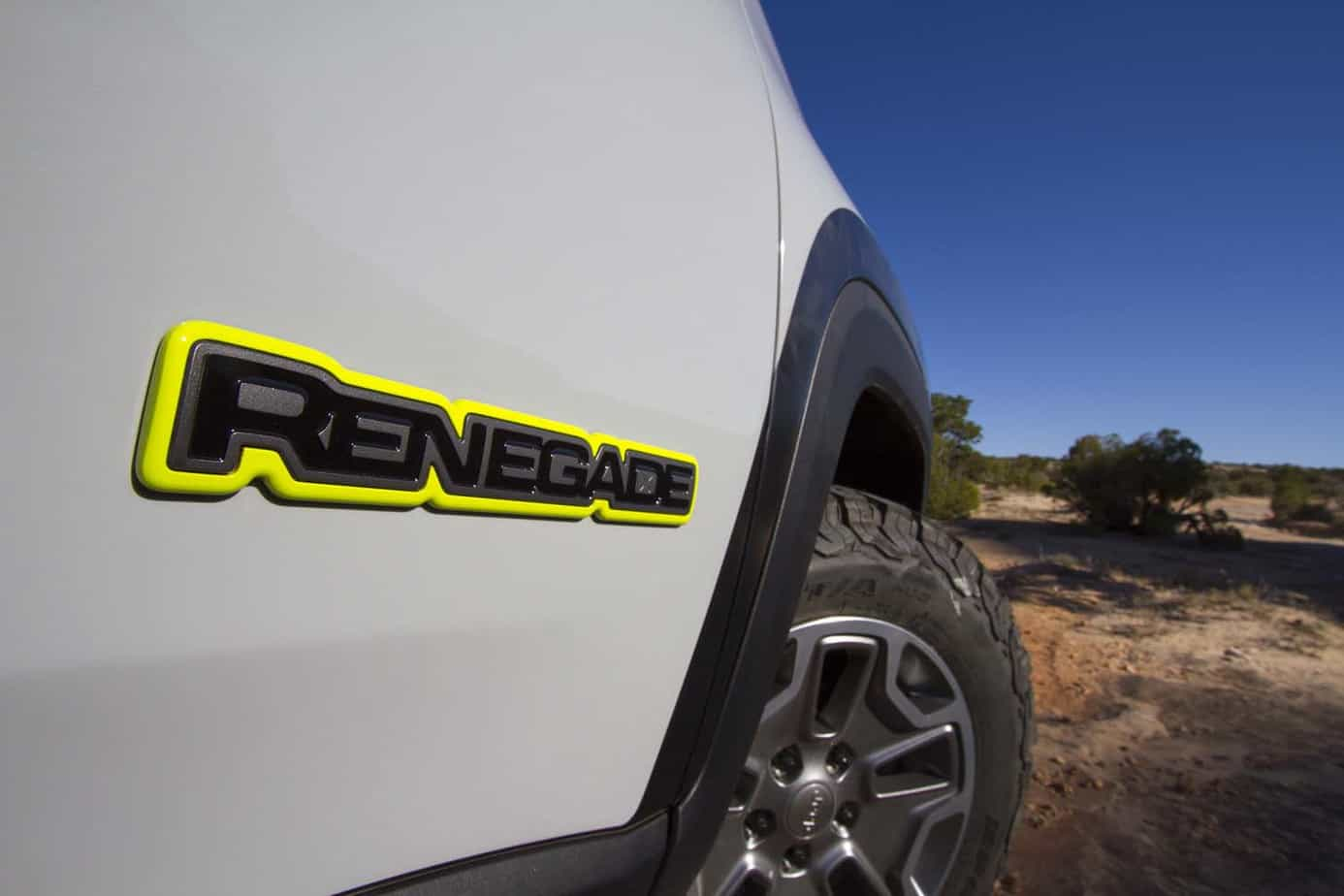 Jeep Renegade Commander 018