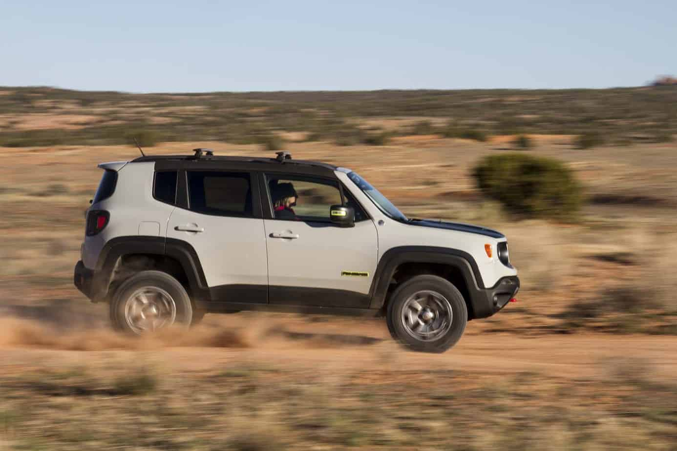 Jeep Renegade Commander 031