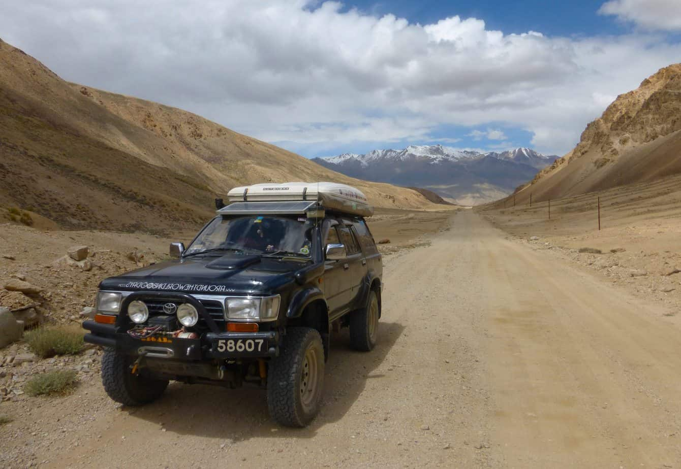 Heading towards the Uy Buloq Pass
