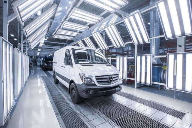 2016-mercedes-benz-sprinter-worker-front-three-quarters-04