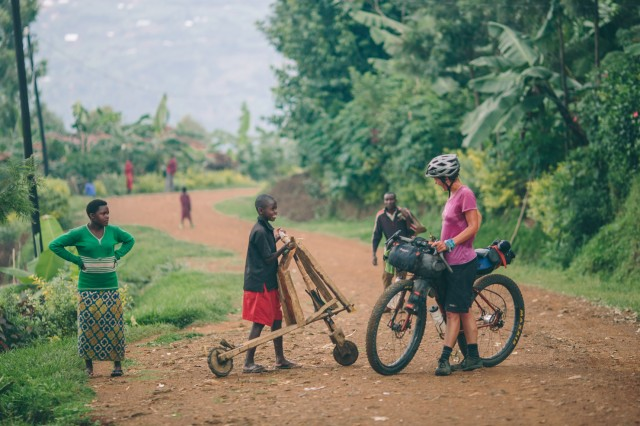 bikepacking-uganda-rwanda-60