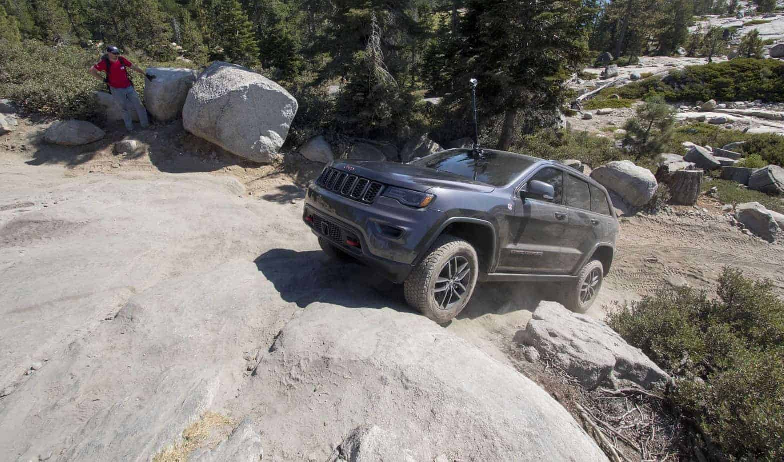 Jeep Grand Cherokee Trailhawk Edition Tackles the Rubicon