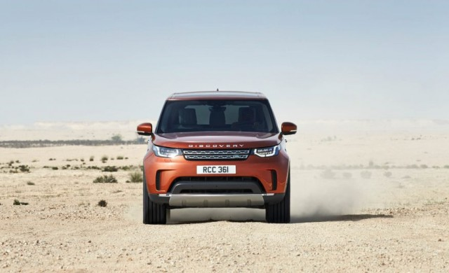 2017-Land-Rover-Discovery-103-876x535