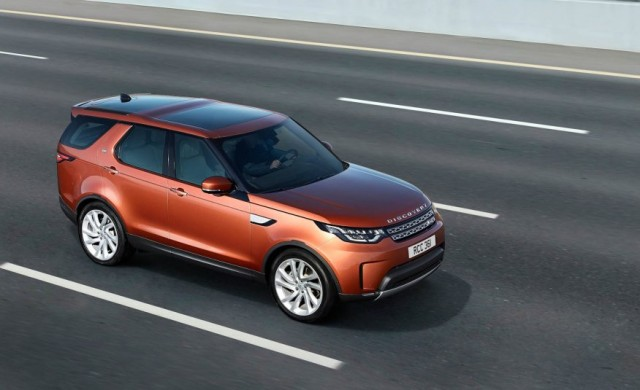2017-Land-Rover-Discovery-121-876x535