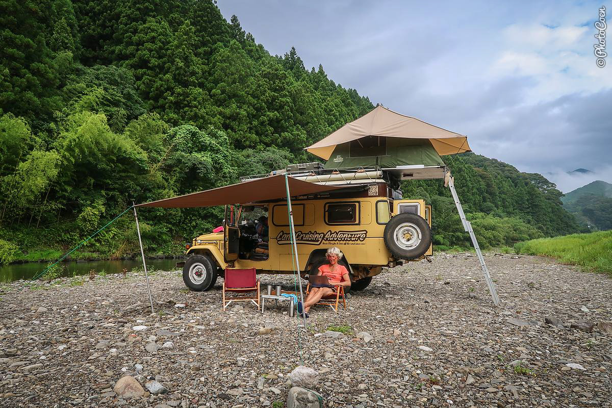 Overlanding as a Digital Nomad: Combining Travel with Online Work