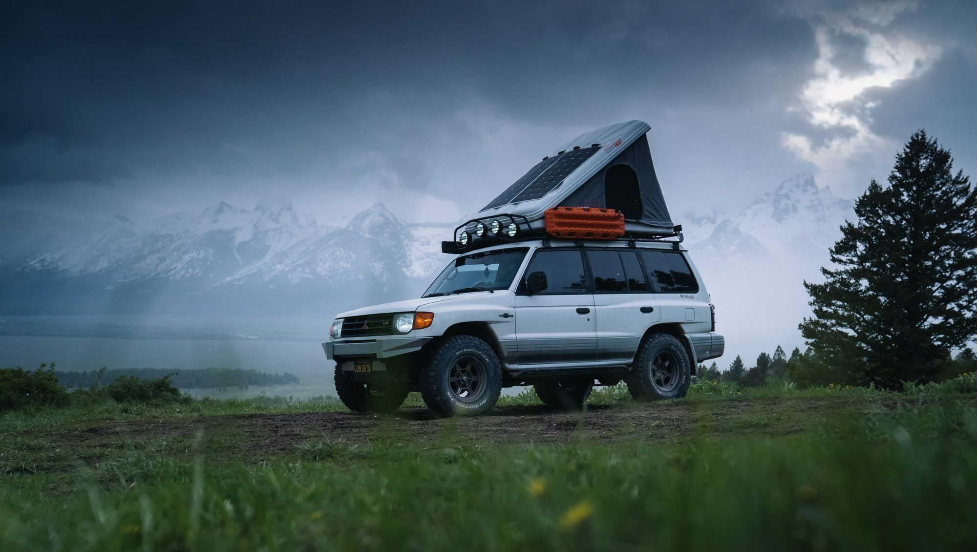 Reviewed: Roofnest Sparrow Eye Roof Tent
