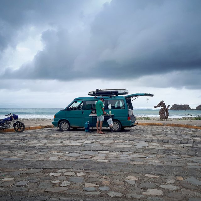 Expedition Portal Classifieds :: 1993 VW Eurovan MV Weekender Westfalia
