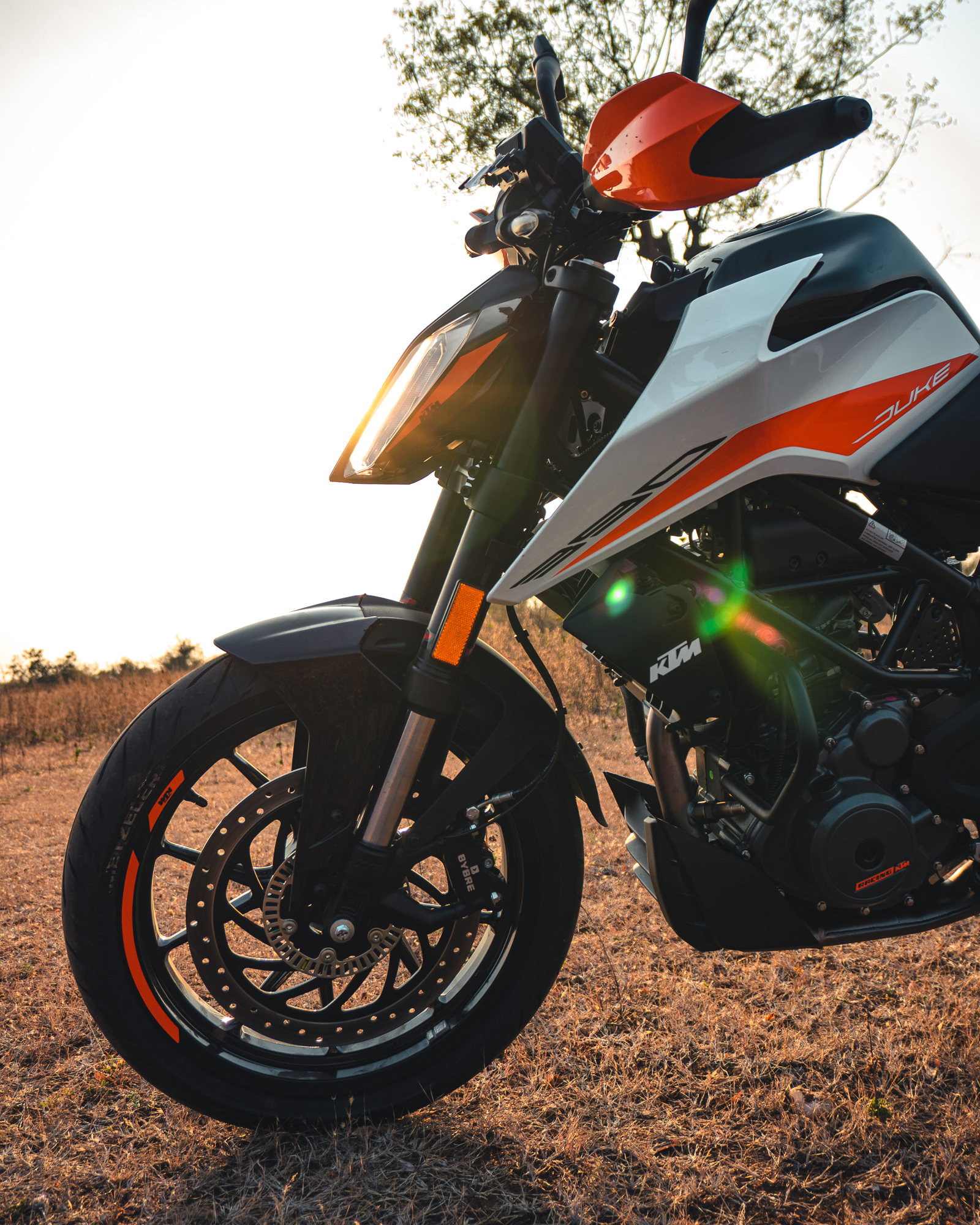 alloy cast versus spoked wheels on motorcycles 2021