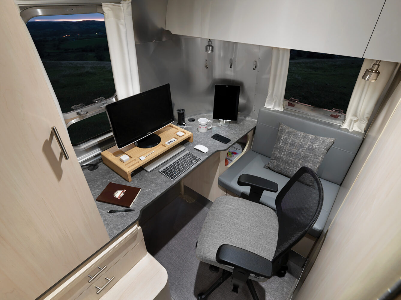 airstream flying cloud office