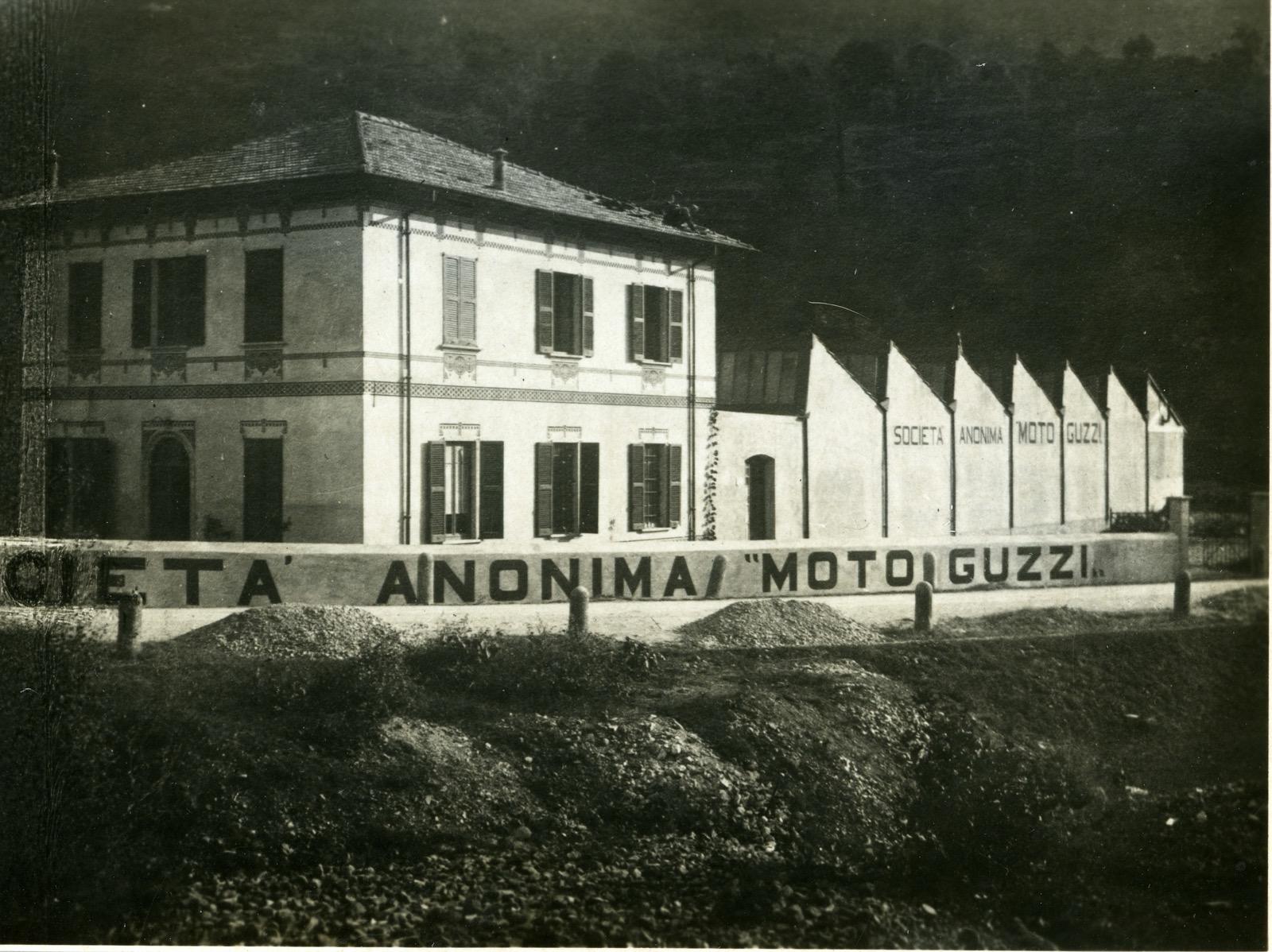 moto guzzi lake como italy
