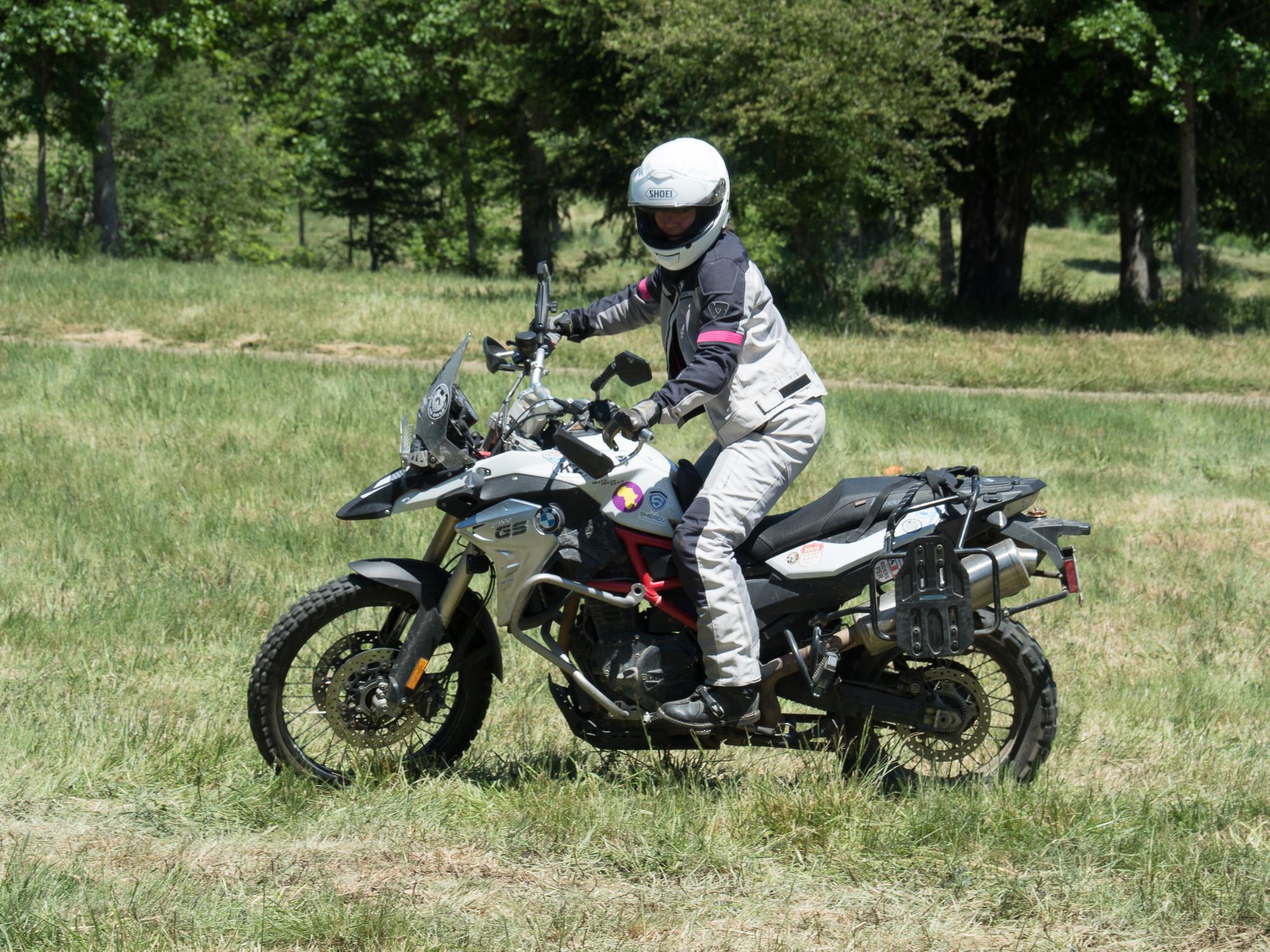 sheADV moto training course level 1/2 tight cornering